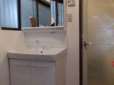 【施工事例】明るく清潔感ある脱衣場に